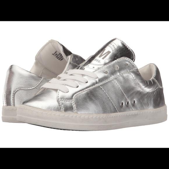 41006637cb8 Steve Madden Blast Silver Sneakers NWOT. M 5b9098ddbaebf630d538f02f